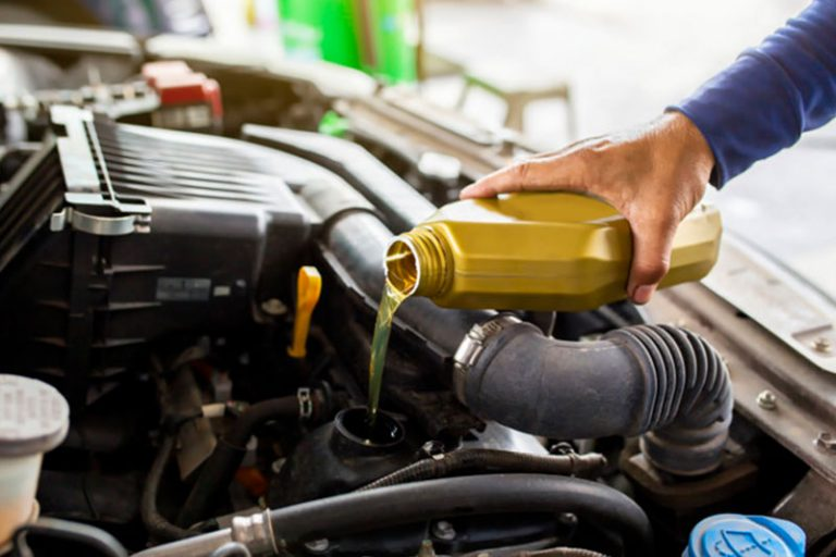 Best Oil for BMW 328i that'll make you feel like Jimmie Johnson on a running track!